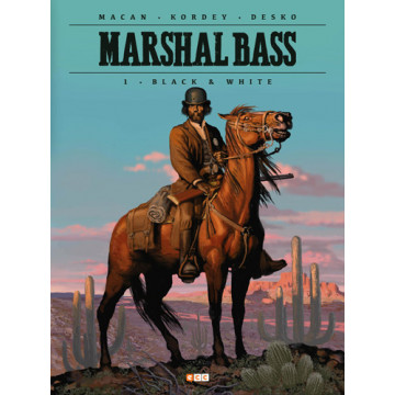 MARSHAL BASS 01: BLACK & WHITE